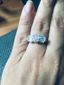 EXQUISITE DIAMOND RINGS FOR SALE