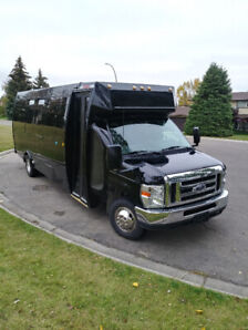 FOR SALE - FORD E450 LIMOUSINE BUS