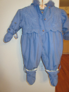 Plush baby blue snow suit - 12 months  Ver warm