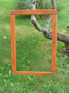plusieurs cadre en bois a différent prix