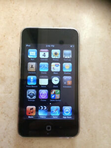 Old school 2nd generation IPOD TOUCH 8GB! (Used)