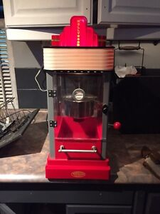 Electric movie style popcorn maker   Kawartha Lakes Peterborough Area image 1