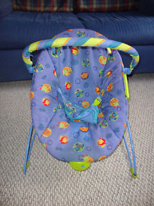 Bright Starts Vibrating Bouncy Chair / Chaise vibrante Gatineau Ottawa / Gatineau Area image 1