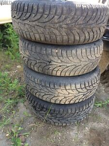 205/65/15 Winter tires on aluminum rims, off of a Ford Taurus Strathcona County Edmonton Area image 3