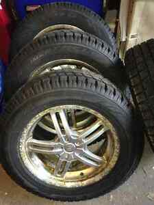 Like New 4 Winter tires 235/60R17