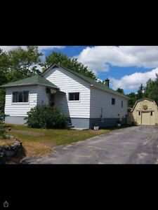 2 Bedroom House with Large Yard in Minnow Lake