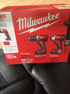 Milwaukee 2691-22 Compact Drill & Compact Driver Kit