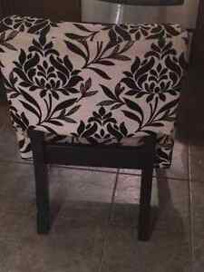 Black and Cream coloured cotton velvet occasional chair Oakville / Halton Region Toronto (GTA) image 2