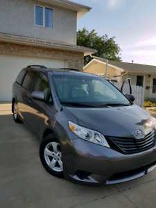 2014 Toyota Sienna. Great shape!