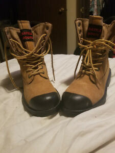 Men's Battle Boots CSA Approved Work boot. - Like New!