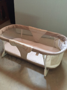 SUMMER INFANT TRAVEL BASSINET
