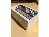 Apple iPhone 4s 8GB black on O2