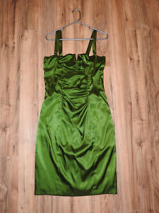Hardly worn green LE CHATEAU dress (medium) - only $35!