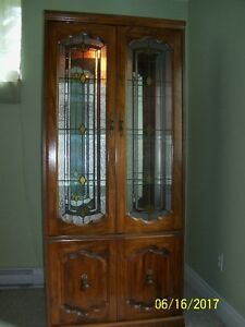 China Cabinet with mirror back & lite