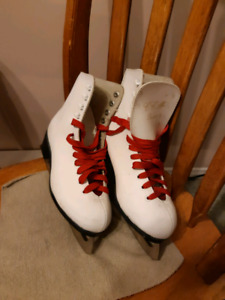 Youth Girl's Skates - size 6