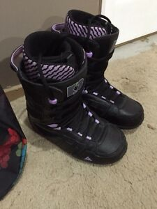 WOMENS SNOWBOARDING PACKAGE  Cambridge Kitchener Area image 3
