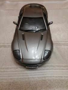 Aston martin 1/18 scale