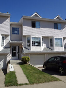 2 Story Condo in the Heart of Downtown Fort Sask