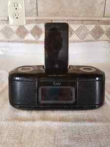 Iphone 4 charging dock and radio