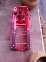 1500LBS MOTORCYCLE JACK NEW NEVER USED