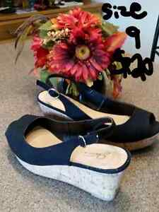 Jessica wedge, black size 9 new condition