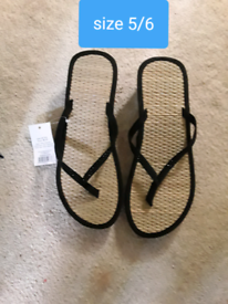 Ladies sandles size 5/6