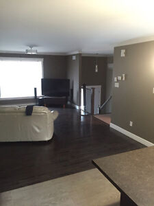 Newer duplex with room for rent no lease no damage deposit!