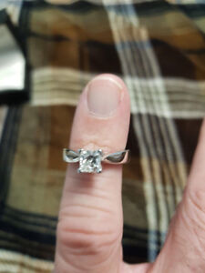 1 Ct Princess cut solitaire diamond engagement ring