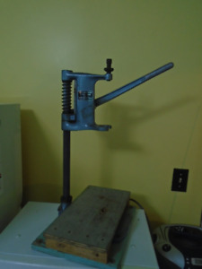 DRILL PRESS  /  DRILL STAND  all metal quality tool