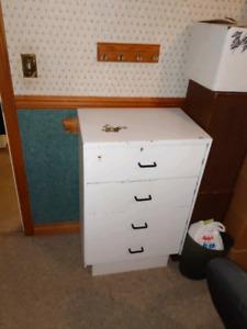 4 drawer white dresser