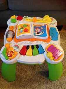 LeapFrog Learn and Groove Musical Table-Bilingual