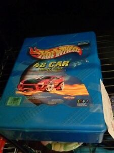 Hotwheels case with cars
