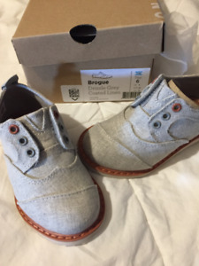 TOMS Tiny (Toddler) Shoes - Brogue Drizzle Grey Coated Linen