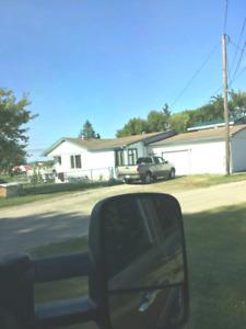 Lac du Bonnet cottage/Retirement home