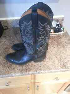 """Cowboy boots """"Ariat"""" reduced price"""