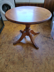 Round Wooden Dining Table (Pine)