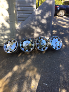 """17"""" Chrysler 300 Chrome Rims"""