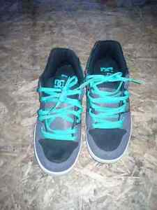 DC sneakers size 8 US