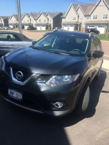 LEASE TAKEOVER- 2016 Nissan Rogue (28 months left) @ $378.63/mth