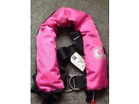 Lifejacket pink kids with integrated harness