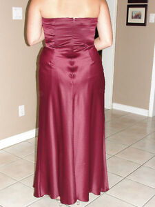"Dress ""LAURA"" burgundy strapless gown size 12 Cambridge Kitchener Area image 2"