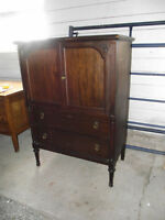 ANTIQUE  DRESSER WITH 2 DRAWERS 2 DOORS