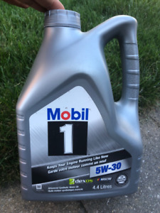 Mobil 1 5W30 Synthetic Motor Oil - 4.4 or 4.7L