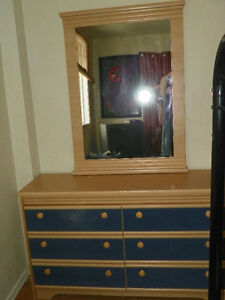6 DRAWER DRESSER WITH MIRROR **Reserved pending pick up Wed.**