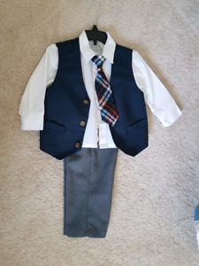 4 piece Perry Ellis boys outfit