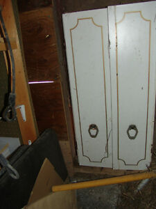 Medicine Cabinet in good condition for sale