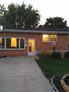 Amherstburg one level house for sale. Windsor Region Ontario image 1