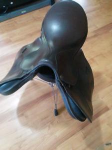 All purpose english saddle