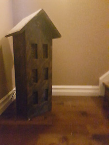 Primitive lighted bird house