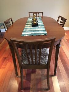 Dining Room Table and Hutch for Sale by Owner